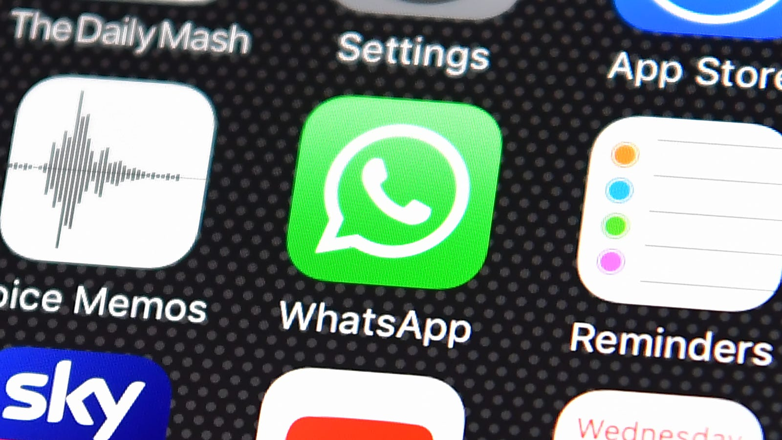 Cops in Wales Caught a Drug Dealer by IDing His Fingerprint from a WhatsApp Photo