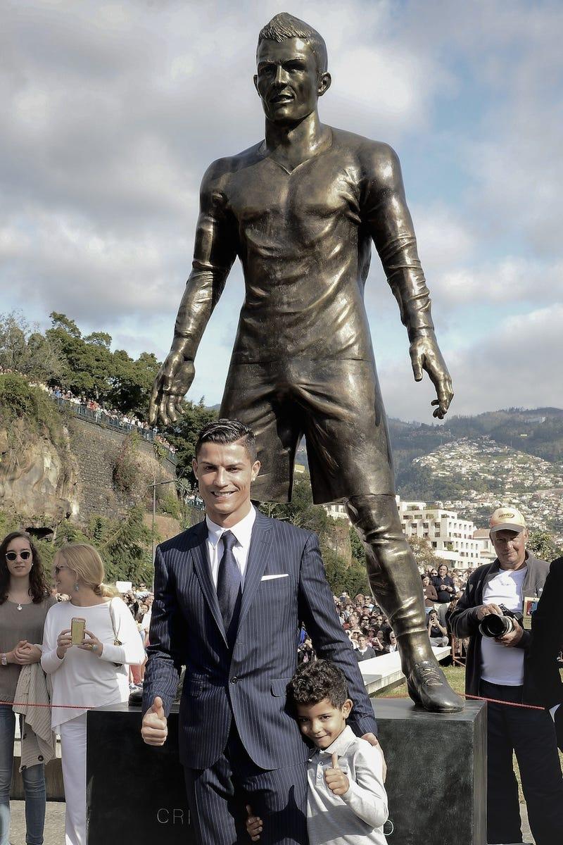 cristiano ronaldo big dick Cristiano Ronaldo Autographed Portugal Nike Authentic Red Jersey Size Xl Psa/ dna .