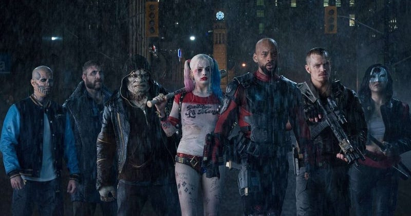 Illustration for article titled He visto Suicide Squad y es una película caótica, maníaca y un completo desastre