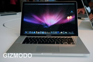 Illustration for article titled Rumor: 17-inch Apple MacBook Pro Finally Receiving Update, Better Battery