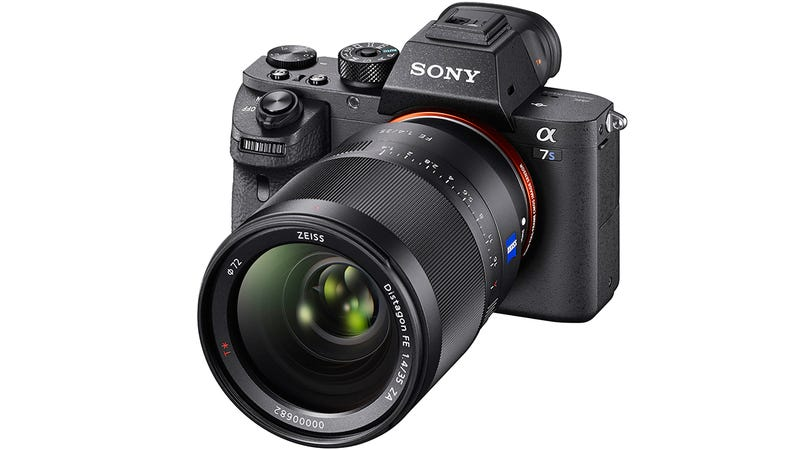 Illustration for article titled Sony A7s II: The Best Low-Light Mirrorless Camera Now Records 4K Video Onboard
