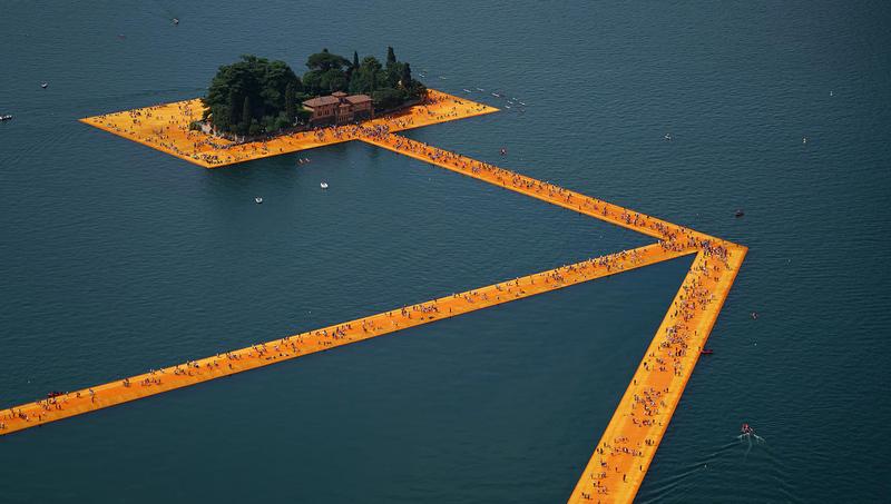 Orange carpet. (Image: Wolfgang Voll © 2016 Christo)