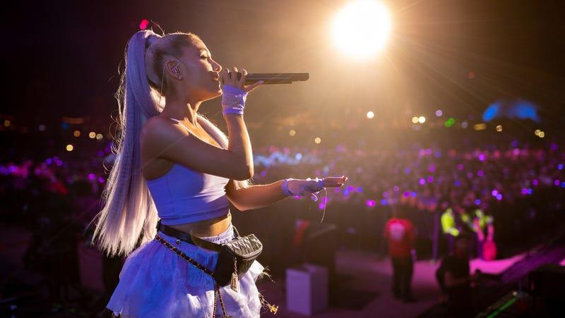 Some Idiot Threw a Lemon at Ariana Grande During Her Coachella Performance
