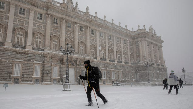 Spain's Worst Snowstorm in Decades Collapses Parts of the Country