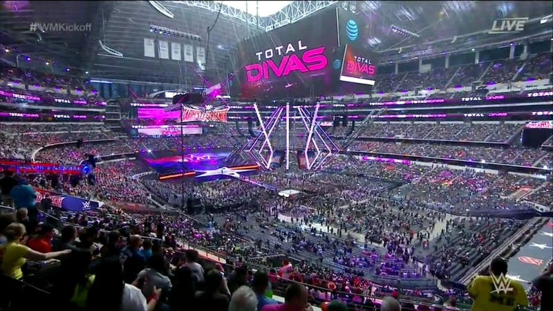 Illustration for article titled Wrestlemania Kicks Off In Front Of Half-Empty Jerry World After Ticketing Mishap [UPDATE]