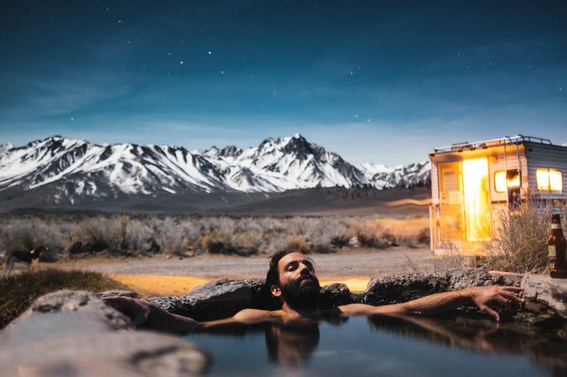 Tomar un baño a 40  ˚C por una hora puede quemar en promedio 140 calorías, dice un reciente estudio.