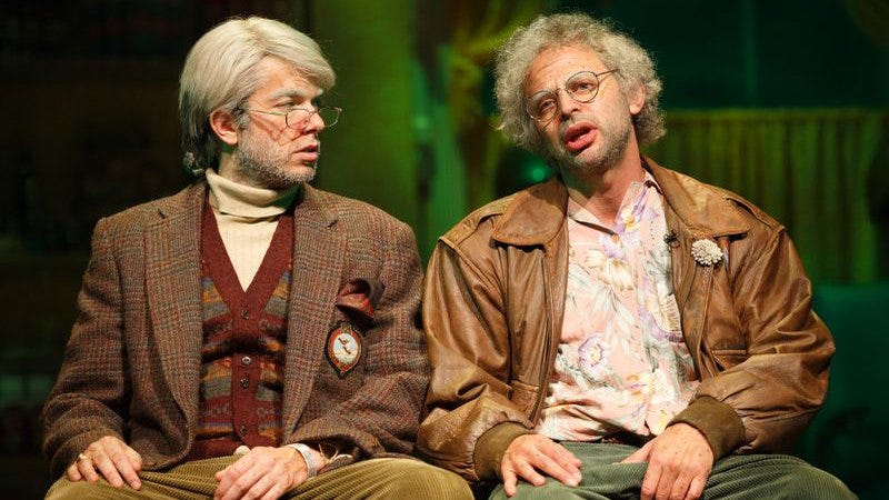 Mulaney and Kroll, resplendent in corduroy (Photo: Joan Marcus)