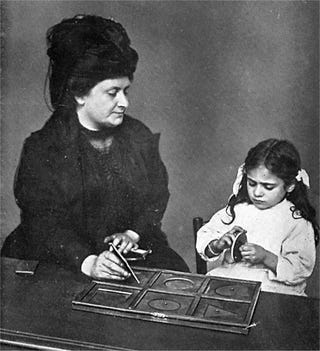 Illustration for article titled Maria Montessori: The 138-Year-Old Inspiration Behind Spore