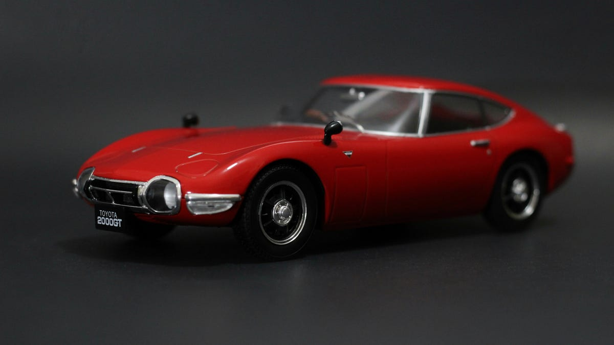 Car Week: 1/18 Triple9 Toyota 2000 GT
