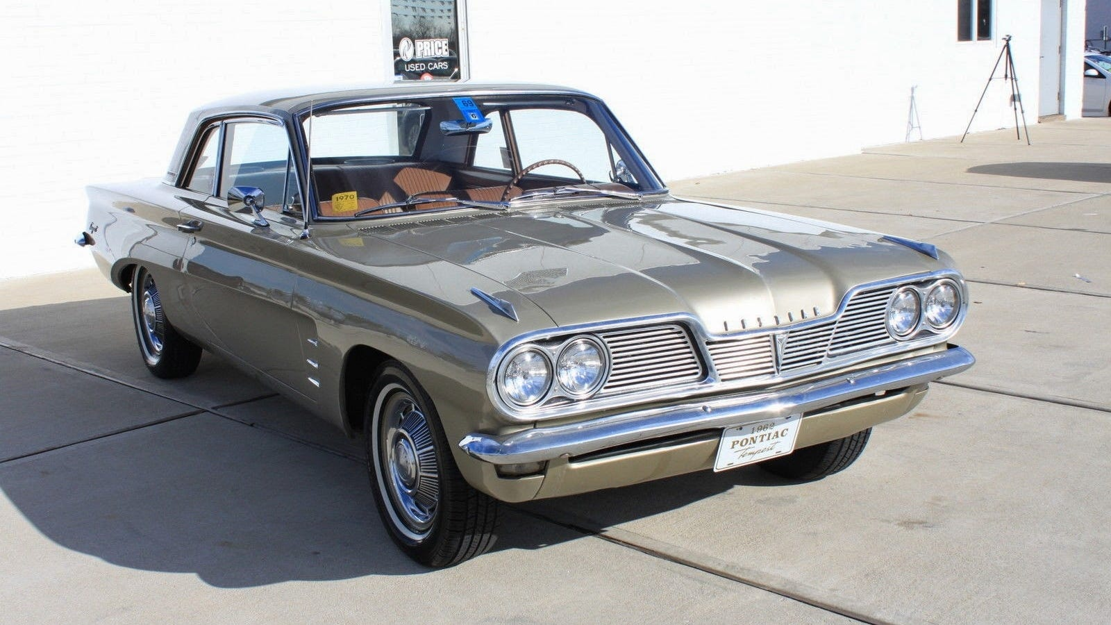 Who Stole 4 Cylinders From This 1962 Pontiac Tempest