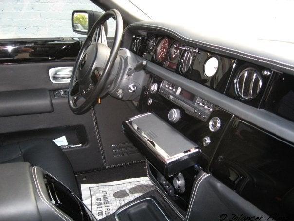 Rolls Royce Phantom wrapped in Matte Black – Designer Wraps |Matte Black Rolls Royce Phantom 2014