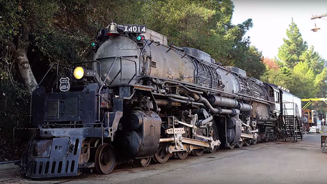 Here's the Biggest Steam Engine in the World Going on a Test