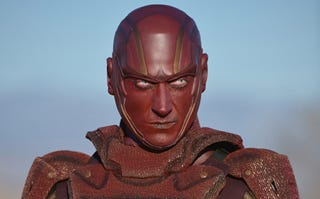Illustration for article titled Here's Your First Official Look Of Supergirl's Red Tornado
