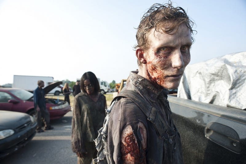 Illustration for article titled The Walking Dead episode 2x01 photos