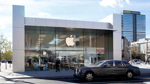 Former Apple Engineer Reportedly Charged With Stealing Autonomous Car Secrets