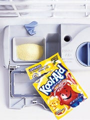 Illustration for article titled MacGyver Tip:  Clean the dishwasher with Kool-Aid