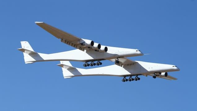 Stratolaunch, World s Largest-Ever Plane by Wingspan, Successfully Takes Off on Maiden Flight