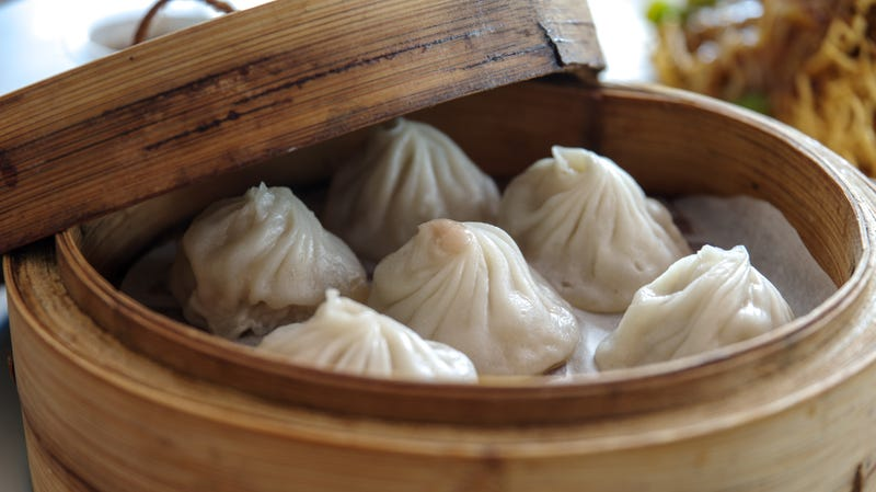 Illustration for article titled The correct way to eat xiao long bao, the world's most magnificent soup dumplings