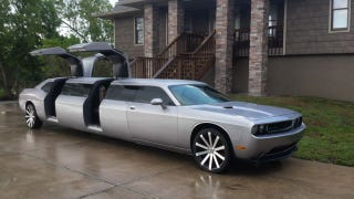 Illustration for article titled Dual Gullwing Challenger Limo Has The Same Aftermarket Wheels As My Amanti
