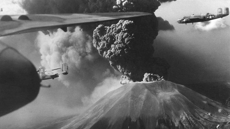 Illustration for article titled Mount Vesuvius caused more Allied bomber losses than a Nazi air raid