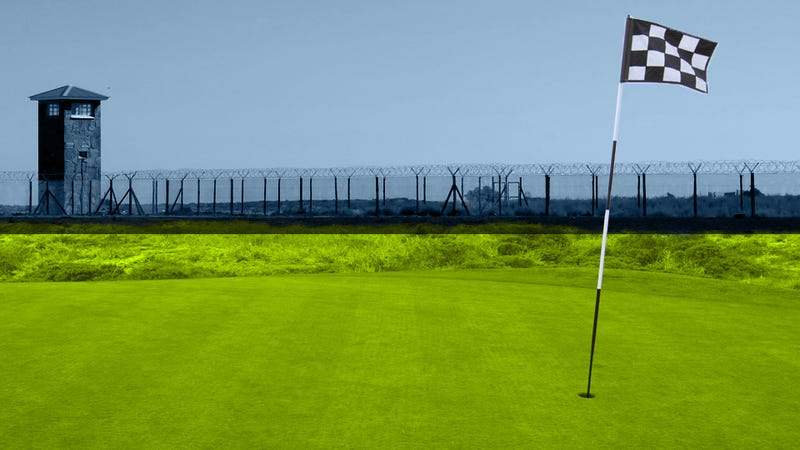 Illustration for article titled What It's Like To Play A Round Of Golf At A Maximum Security Prison