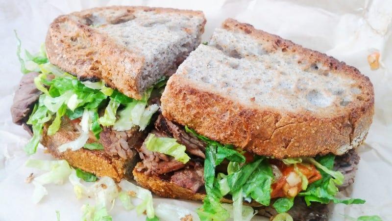 Illustration for article titled Shredded Iceberg Is the Best Lettuce for Your Sandwich