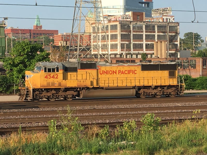 Illustration for article titled Union Pacific leaving their rusty old junk behind my office