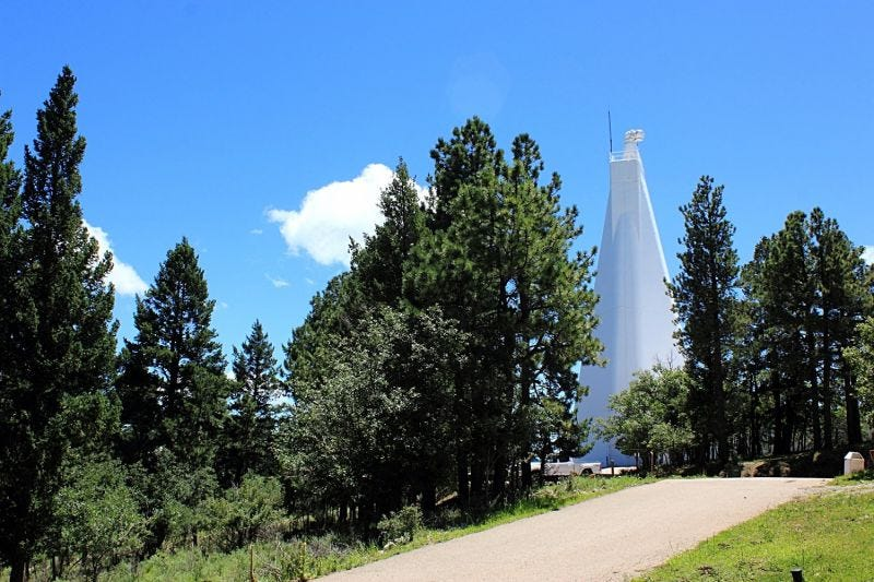 Illustration for article titled Fin al misterio del cierre del observatorio en Nuevo México: no eran extraterrestres, era pornografía infantil