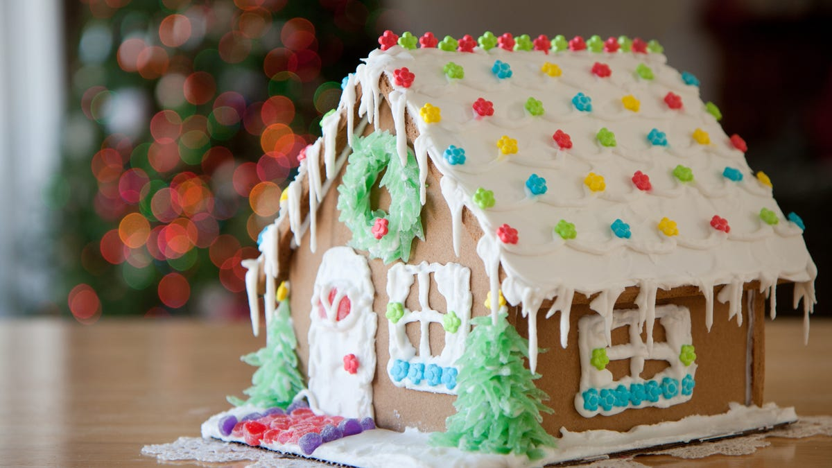 What S The Best Way To Keep Your Gingerbread House From Falling