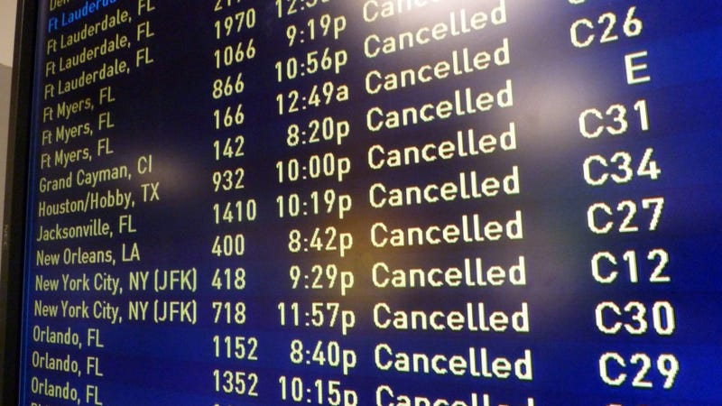Illustration for article titled Here's What To Do If Your Holiday Flight Is Canceled Or Delayed