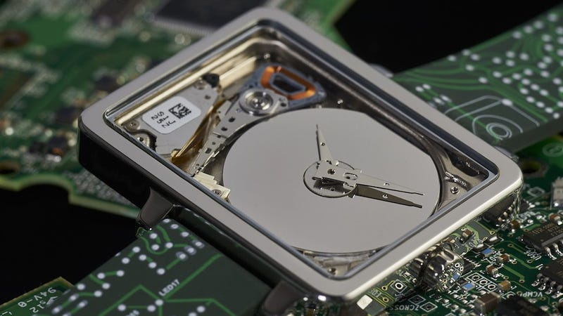 Illustration for article titled A Tiny Old Hard Drive Makes a Sweet Nerdy Watch
