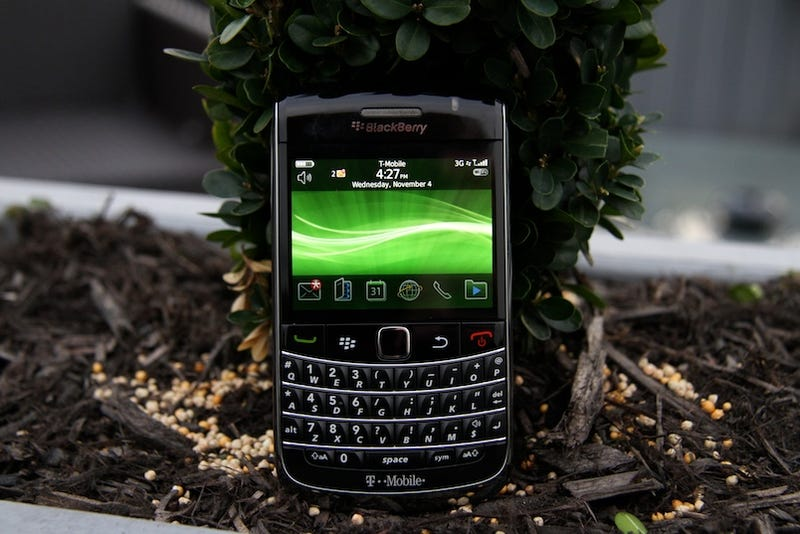 Illustration for article titled BlackBerry Bold 9700 Impressions: Small and Chirpy, Like a Black Hummingbird