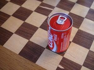 Illustration for article titled Taste Test: 20-Year-Old Coke Is So Much Better Than Modern Coke
