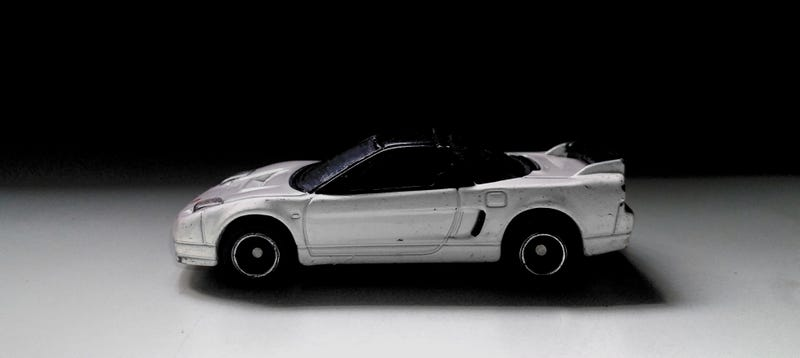Illustration for article titled Once Upon a Time in Kagoshima | Tomica 2002 Honda NSX-R | Studio Diecast