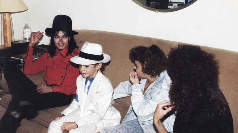 Leaving Neverland - Michael Jackson, Wade Robson, Chantal Robson, Joy Robson (1990).