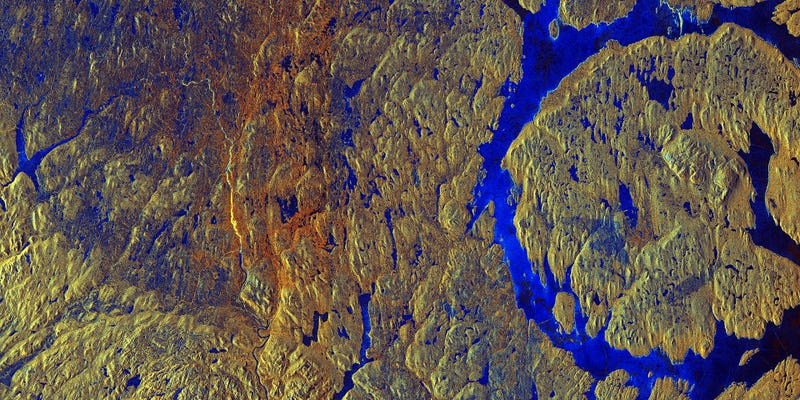 Illustration for article titled Canada'sManicouagan Crater Looks Other-Wordly in This Satellite Image