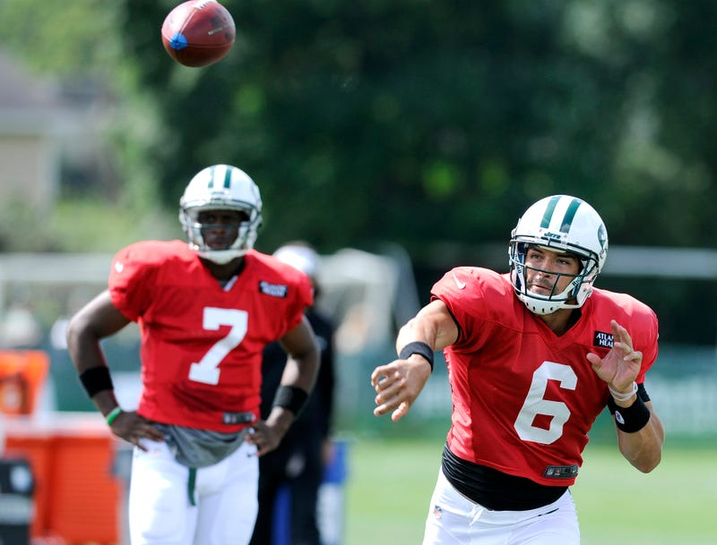 Illustration for article titled Mark Sanchez Booed At Training Camp, To Antonio Cromartie's Dismay