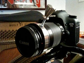 Illustration for article titled Canon 7D Loaded With $6 DIY Follow Focus