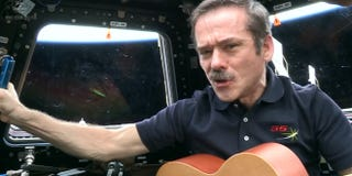Illustration for article titled Astronaut Chris Hadfield leads singalong from Space