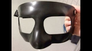 Illustration for article titled Kobe Bryant Will Wear A Black Mask Tonight