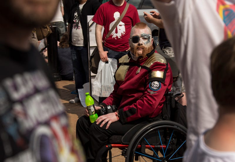 Illustration for article titled Disabled Fans and Creators Are Kept Out of Too Many Conventions. Now They're Not Alone.