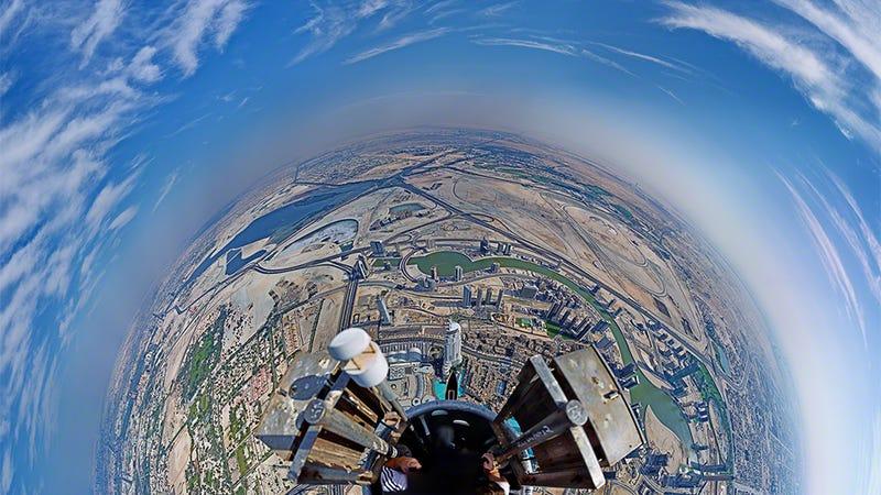 este mismo ao el fotgrafo gerald donovan nos ofreci una panormica circular con las vistas en torno a la torre burj khalifa de dubai