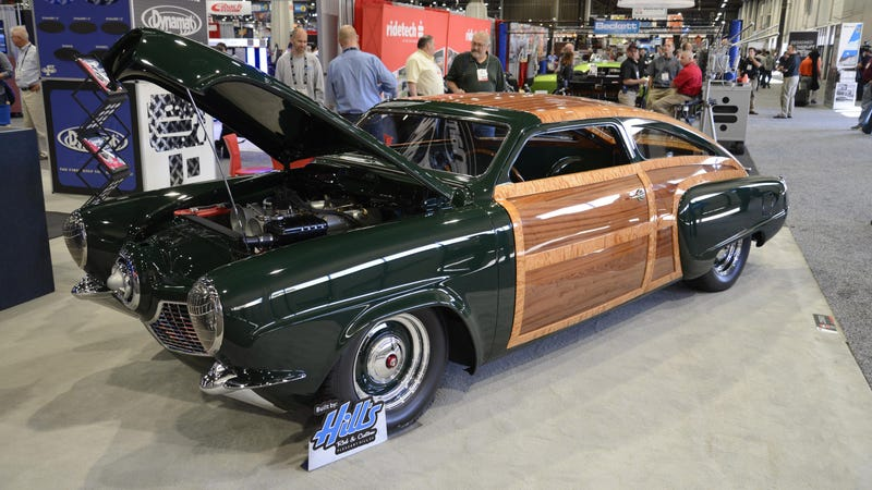 Illustration for article titled This Custom Bullet-Nose Studebaker Will Give You Wood