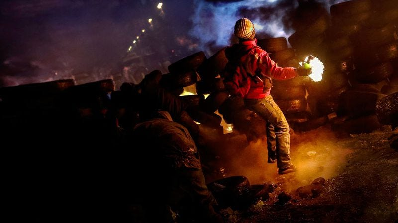 Illustration for article titled The closest thing to being right there on the frontlines of Euromaidan