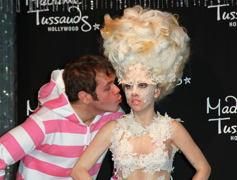 Illustration for article titled Lady Gaga Declares Why She Officially Fell Out With Perez Hilton
