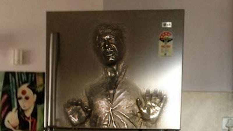 Somebody needs to make this han solo refrigerator asap the only problem is that its not real such is the case with this photoshopped fridge adorned han solo frozen in carbonite colourmoves