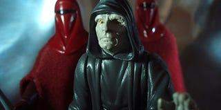 Illustration for article titled Witness The Secret Lives of Star Wars Toys