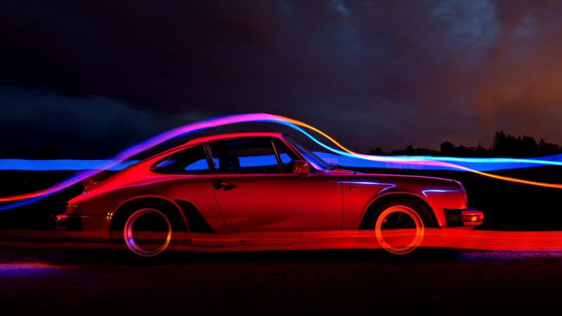 Illustration for article titled Your Ridiculously Luminous Porsche 911 Wallpaper Is Here