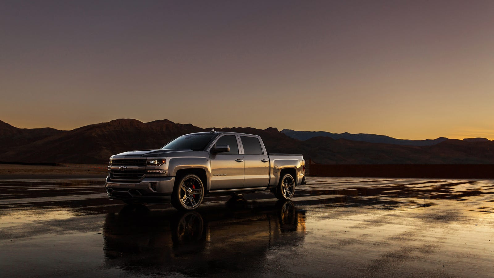 The 2018 Chevy Silverado Performance Concept Has A Battle-Ready Supercharged V8 Heart Of Fury