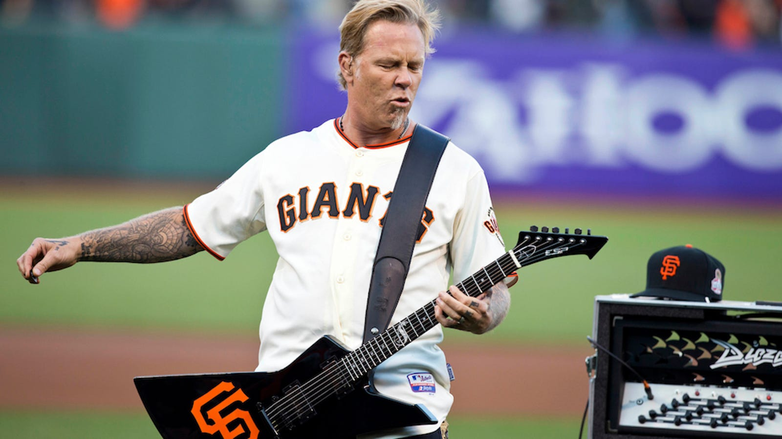 metallica performed the star spangled banner at at t park. Black Bedroom Furniture Sets. Home Design Ideas